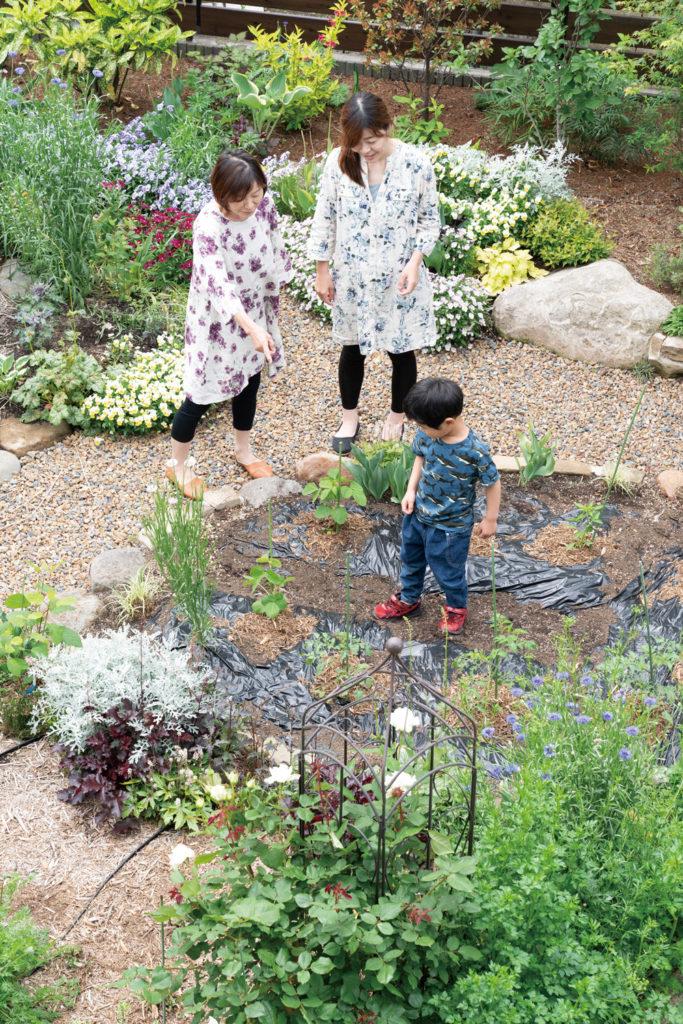庭を楽しむ
